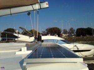 Hélia 44 – Installation Panneaux solaires Hélia 44 – Solar panel Installation