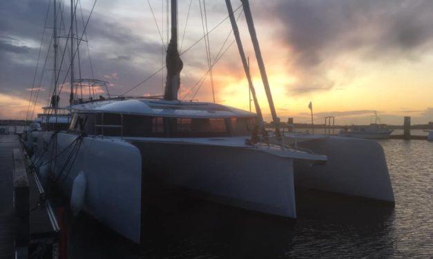 1er chargement d'un Neel 51 sur cargo à Lorient